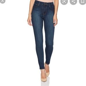Levi's high rise skinny jeans dark wash size 27